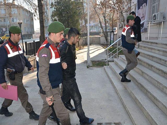 Cinayet Zanlısı Yunanistan'a Kaçarken Yakalandı