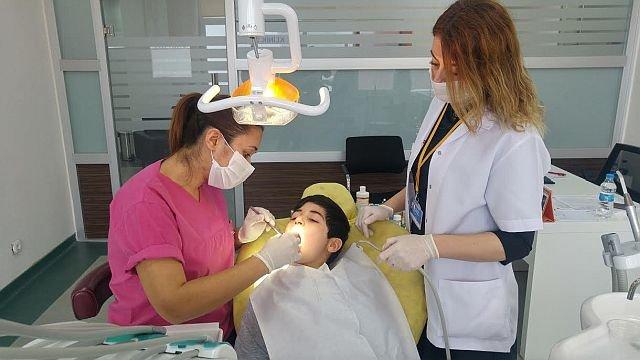 Çocukların Dişleri Zeytinburnu Belediyesine Emanet