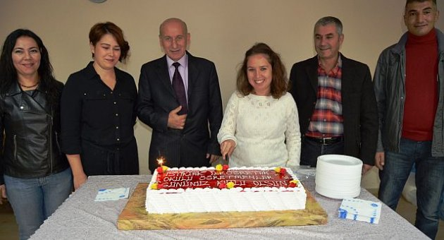 İstiklal'de 'Öğretmenler Günü Kutlaması'