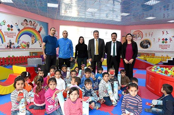 Malatya Büyükşehir Belediyesi  300 Suriyeli Çocuğu Eğitim Merkezine Misafir Etti